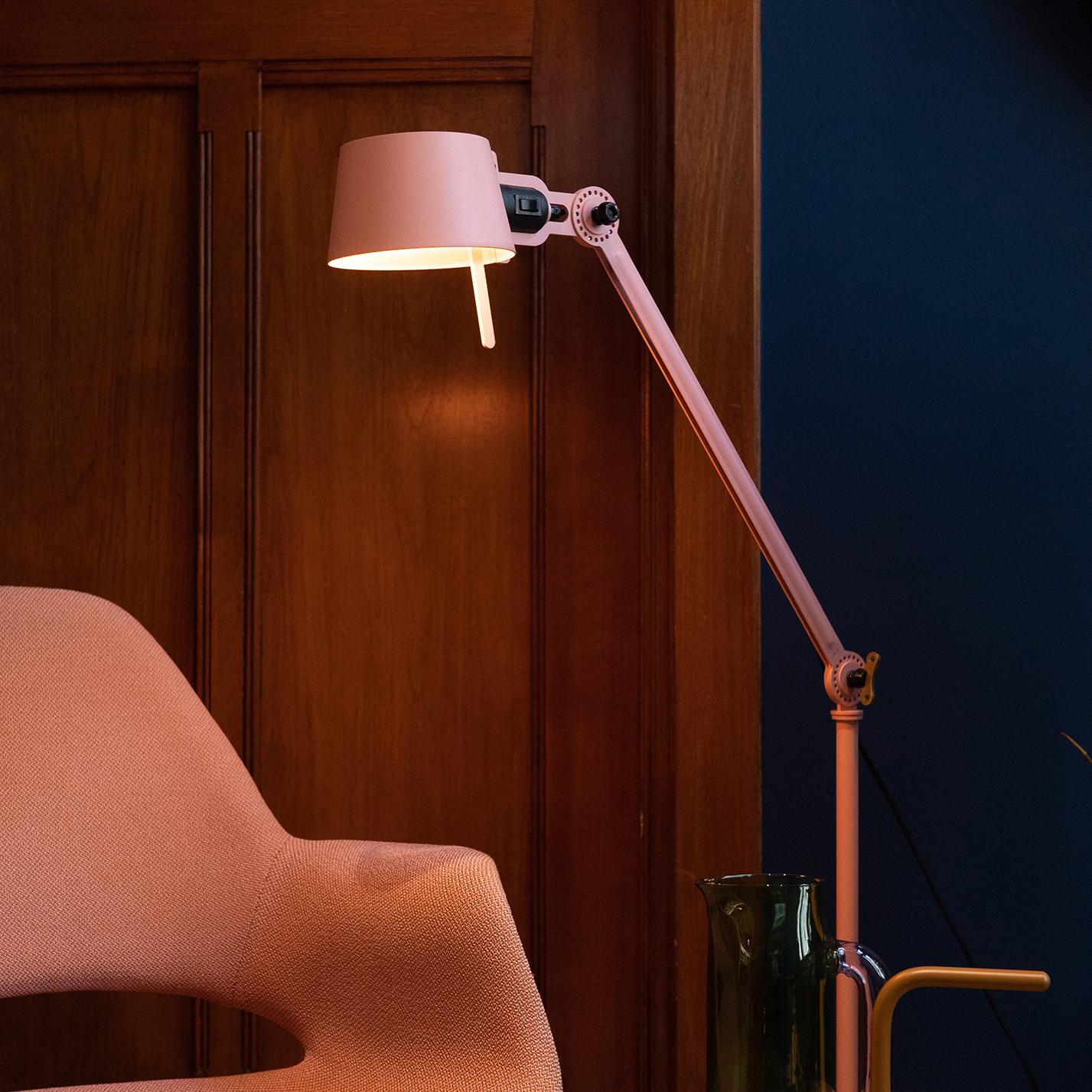 Tonone Bolt floor lamp daybreak rose